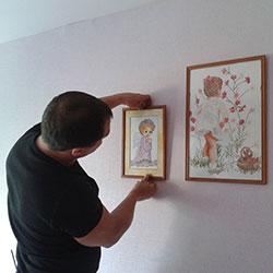 Навеска картин на стену
